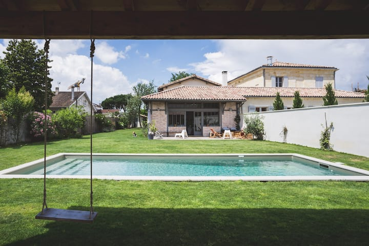Lovely family house with swimming pool
