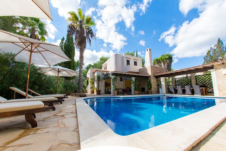 Ibiza Charming house private pool, San Carlos