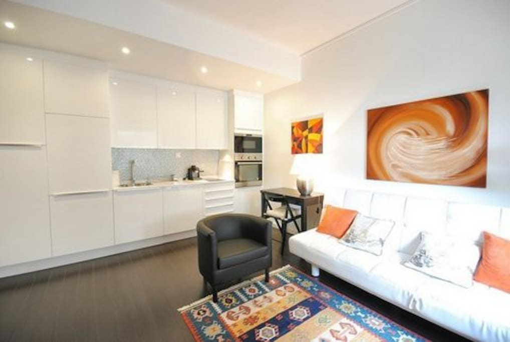 Sala e cozinha / Linving room and kitchen