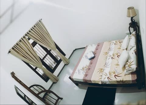 The 28C - A/C Room2 Queen Bed