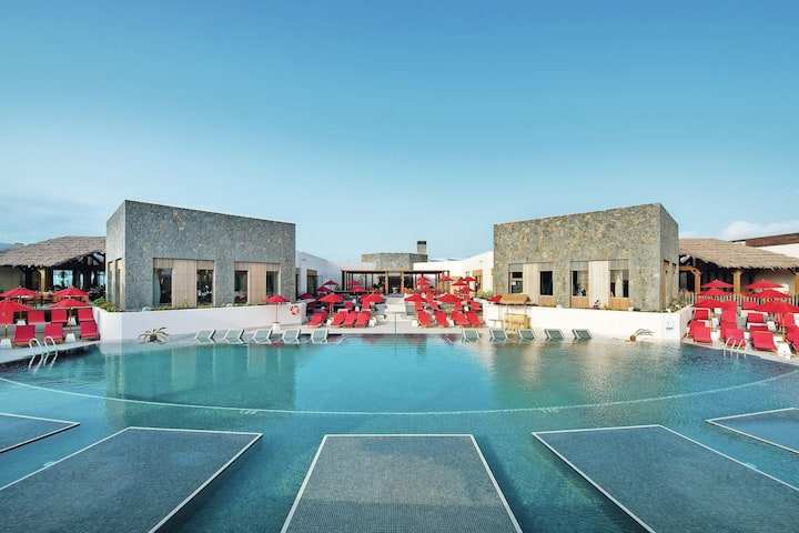 Villa Suite near Playa el Hierro and volcan Calderon Hondo