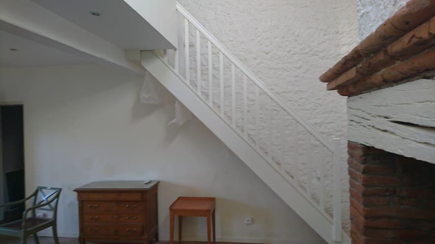 l escalier accès chambre
