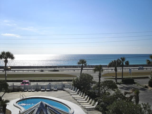 Oceanfront Condo with Amazing View!
