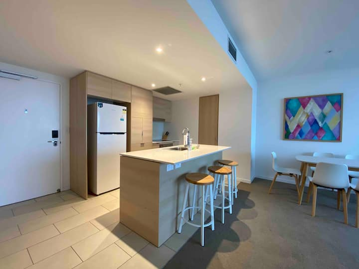 Gorgeous two bedroom apartment in Broadbeach