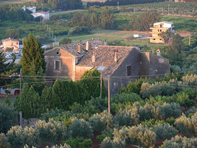 Residieren in 1000 jähriger Burg - La Petrizia - Dům
