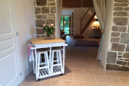 A peaceful bolt hole in Normandy - Champ-du-Boult