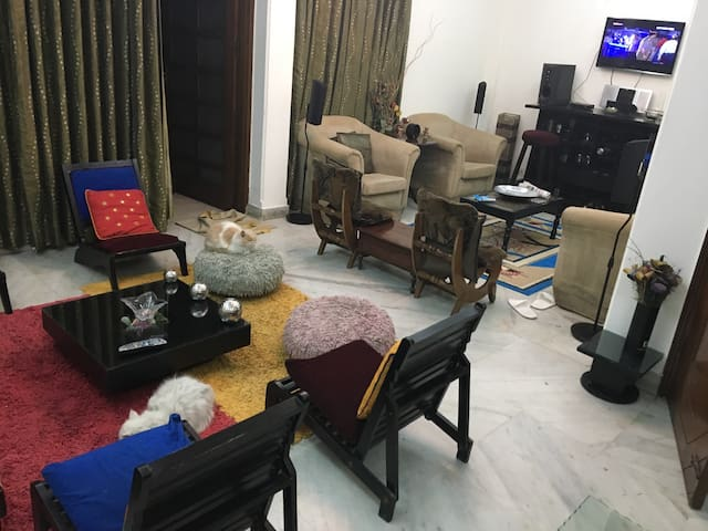 Home Away From Home in South Dehli - New Delhi - Appartement