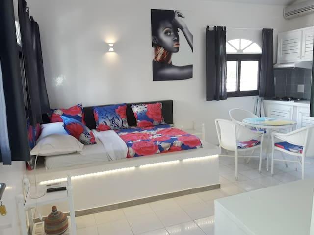 "Studio ""Lipstick"" residence Natangue - Saly."