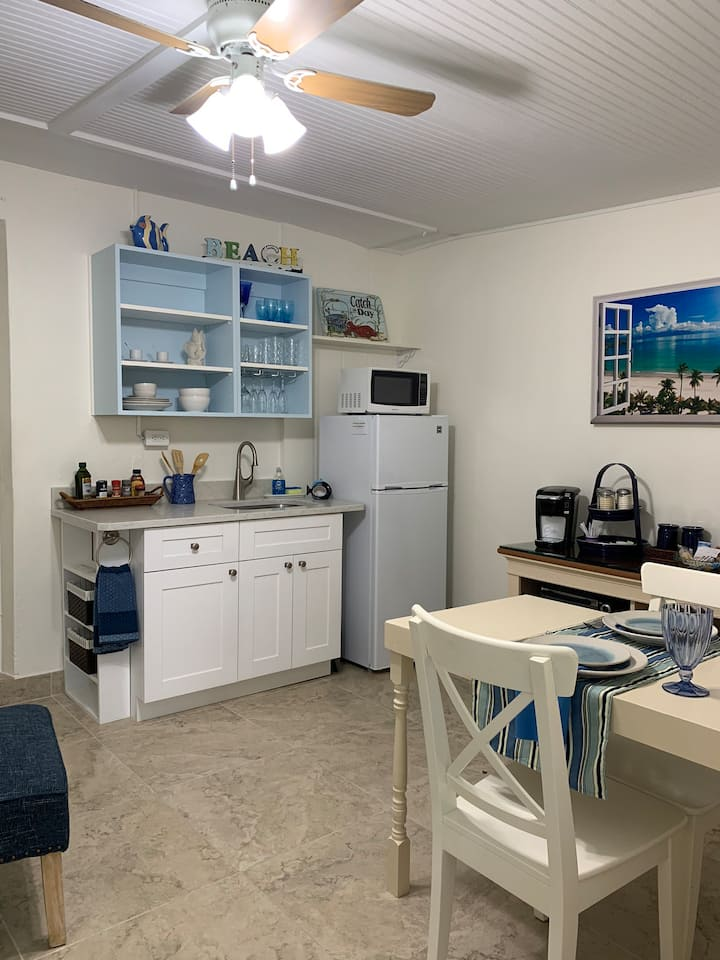 Blue Oasis Studio close to Airport and Beaches