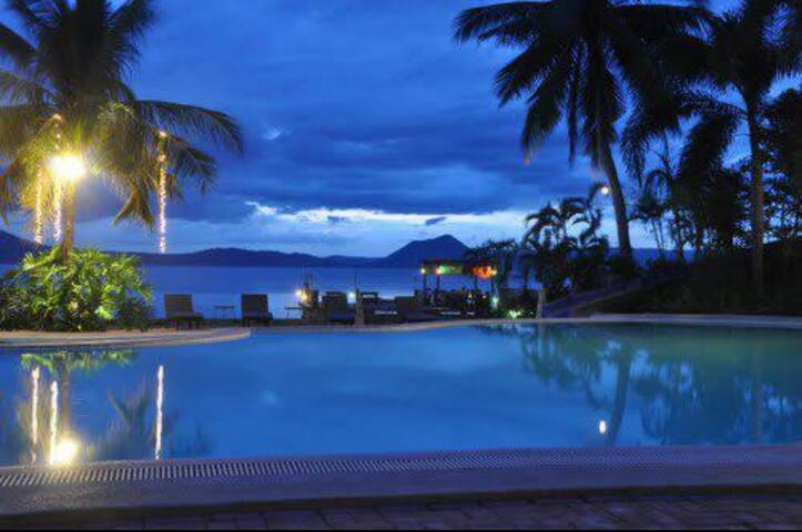 Perfect Getaway for group of 12 - Talisay - Loft