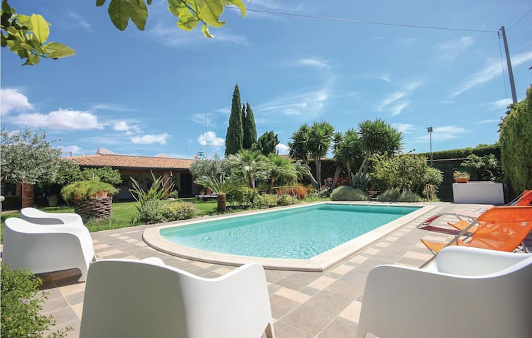 Semi-Detached with 2 bedrooms on 60m² in Portopalo di Menfi AG