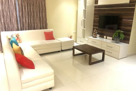 Ivory Suites Home : Super-clean & Comfort stay R4