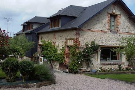 chambre à la campagne - Gonneville-sur-Honfleur - Casa
