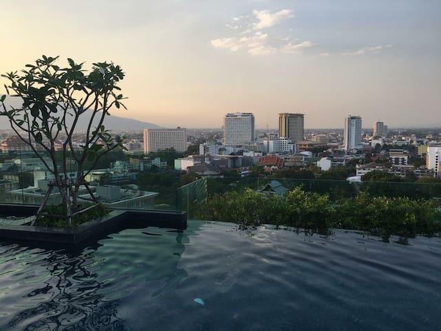 1BR near Night Bazaar& Chiang Mai town/Brand new - Chiang Mai - Flat