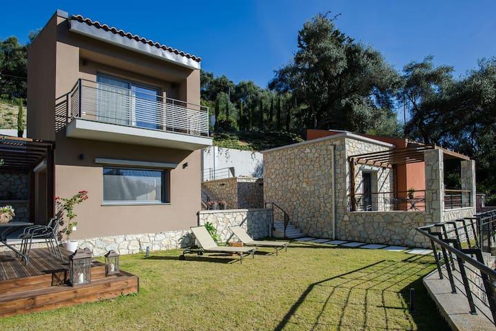 Topos Luxury double story Villa - Anthousa - Leilighet