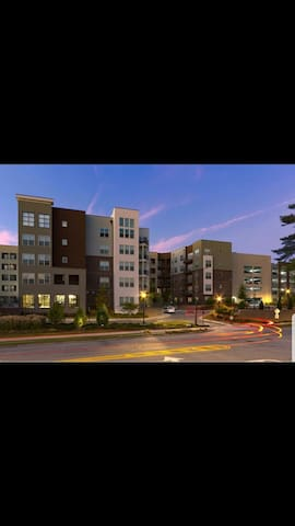 Nice and well located apartment by perimeter mall