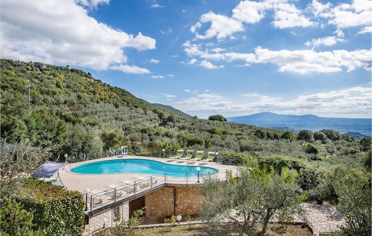 Holiday cottage with 5 bedrooms on 275m² in Guardea TR