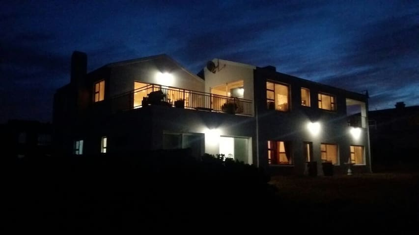 Seeperdjie apartment for 2@Lieflappie 400m-beach
