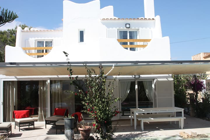 Beautiful 4 Bed Villa, Cala Pi - Cala Pi - Villa