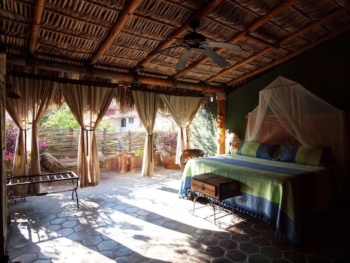 El Nido Inn - Palapa Room #4