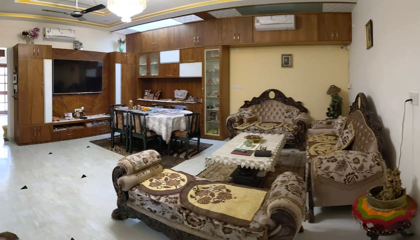 Tafri homes: private stay behind Celebration mall