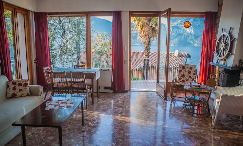 Apartment with great view on Lake - Brenzone sul Garda - Appartamento