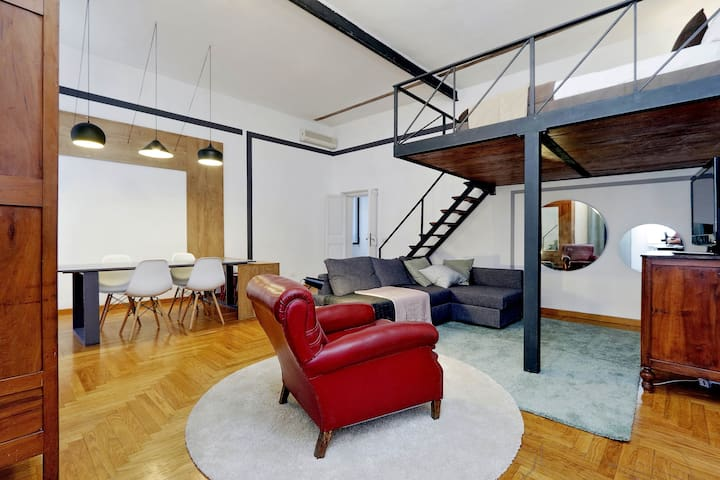 loft in the heart of Rome, clean and comfortable