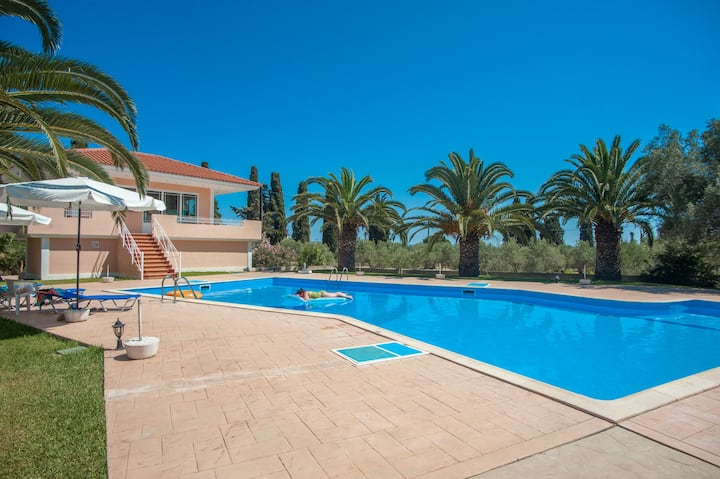 Marias Resort Standard Studio with Pool
