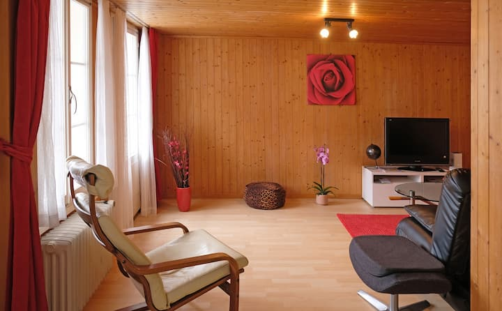 Geräumige Wohnung im Dorfkern Beatenbergs