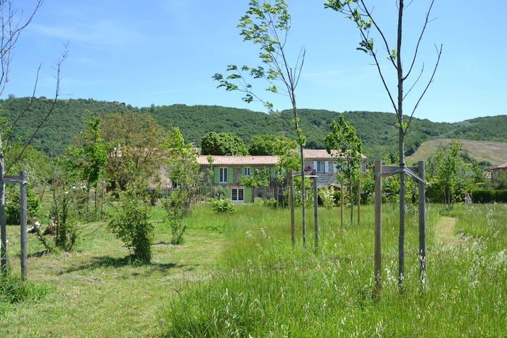 Gite La Fenière-La Référence en Drôme des Collines - Gervans - House