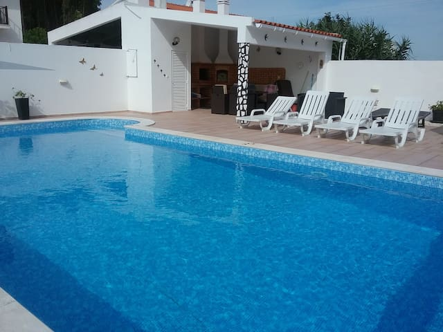 Beanies holiday home with pool - Caldas da Rainha - Apartment