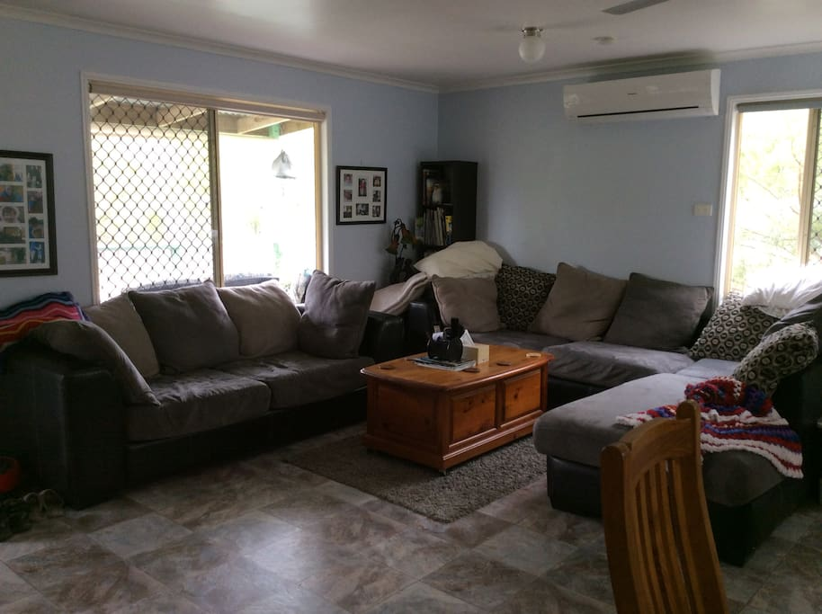 "Large lounge area & 42"" tv, free movies"