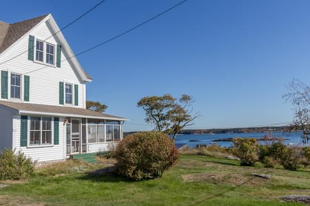 Newly Renovated, Waterfront w/ Expansive Views - Georgetown