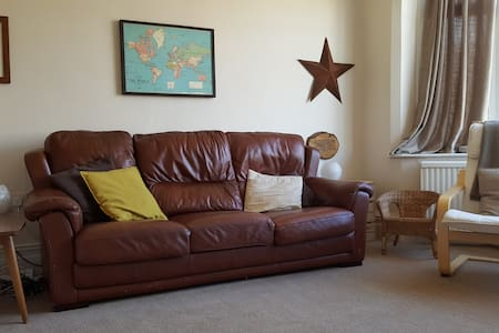 Lovely family home by the sea. - Lytham Saint Annes - Talo
