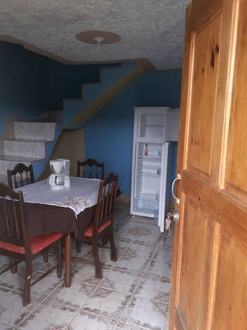 Private unit with kitchen and private entrance