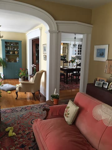 Stately Village Victorian - Shelburne Falls - Bed & Breakfast