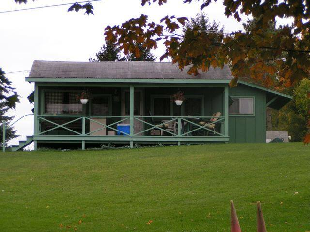 Cabin on Eatonbrook Reservoir - Erieville - Zomerhuis/Cottage