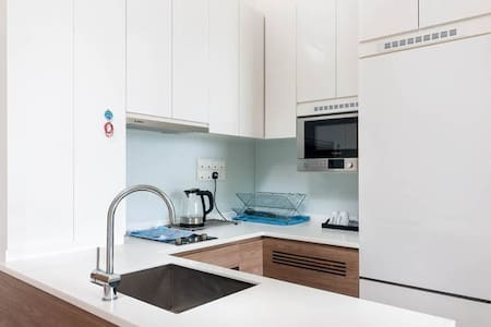 1BR SOHO Unit *2 Queen Beds & 1 Sofa Bed for 6pax*