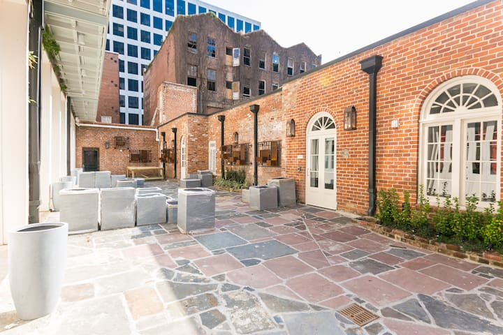 Premiere Carondelet Street Apartment by Stay Alfred - New Orleans - Lägenhet
