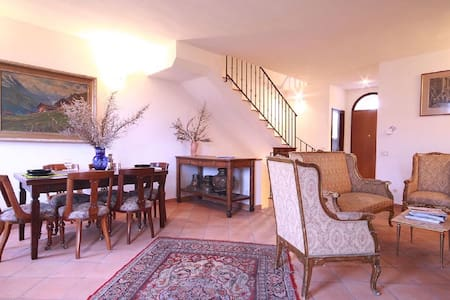 Capalbio-Retreat. Appartamento da 8 vicino al mare - Pescia Fiorentina - Pis