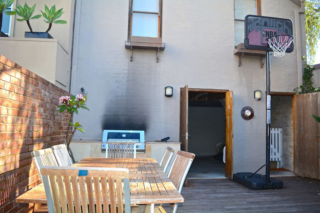 Outdoor Living - piped gas bbq