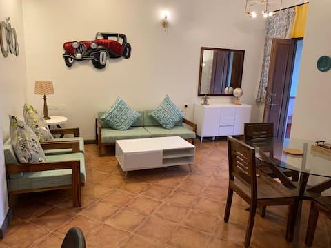S4 - Vila elegante, luminosa e com vista para a piscina, South Goa