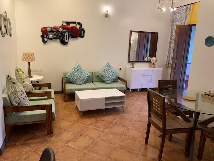 S4 - Elegant, bright, pool-view villa, South Goa