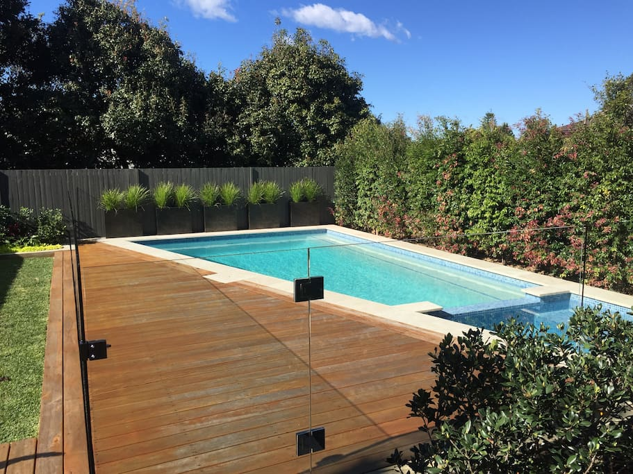 Back garden with pool/spa