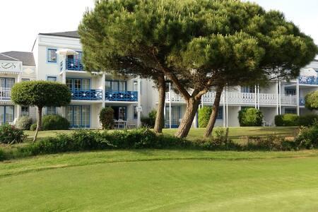 Appartement 3 pièces. Proche Mer, Golf et Port