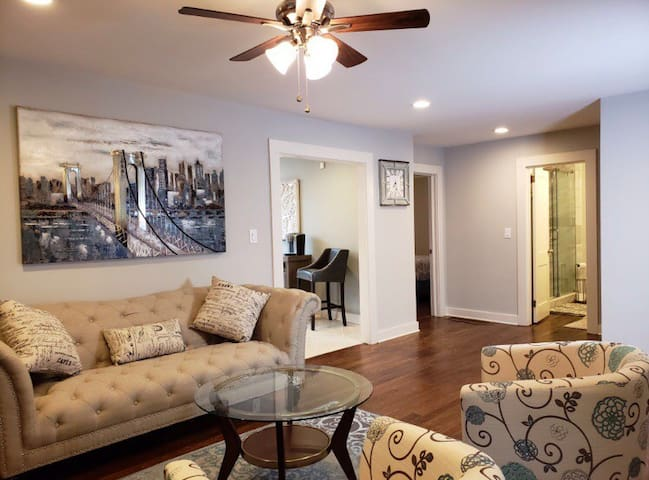 2BR/1BA Modern Home in Beautiful Smyrna