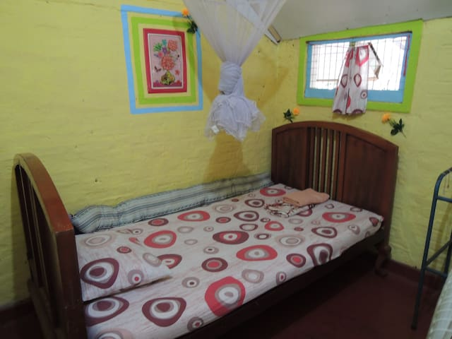 Oasis Guesthouse - Single Room