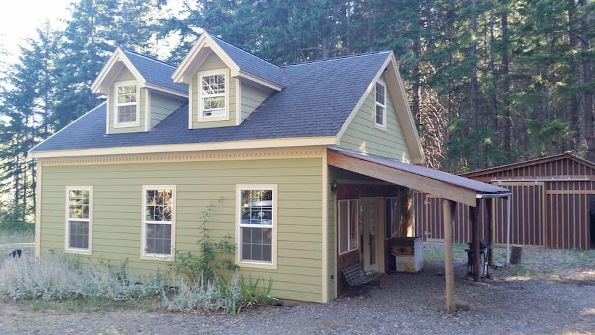 Rejuvenating forested getaway - Lyle - Dům