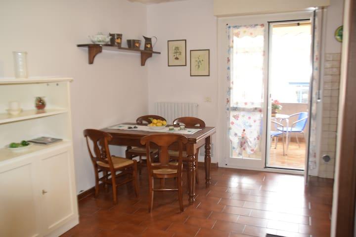 CA' DA IDA - APPARTAMENTO AL MARE CENTRALISSIMO - Albenga - Apartament