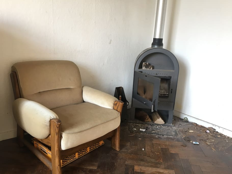 Sessel am Kamin